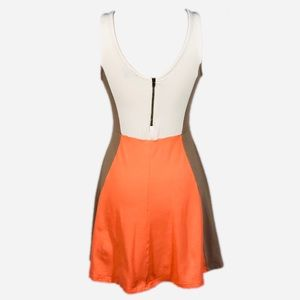 Express Dresses - EUC Express Colorblock Mini Dress